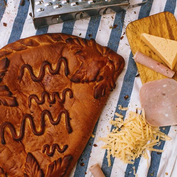 Пирог с ветчиной и сыром2