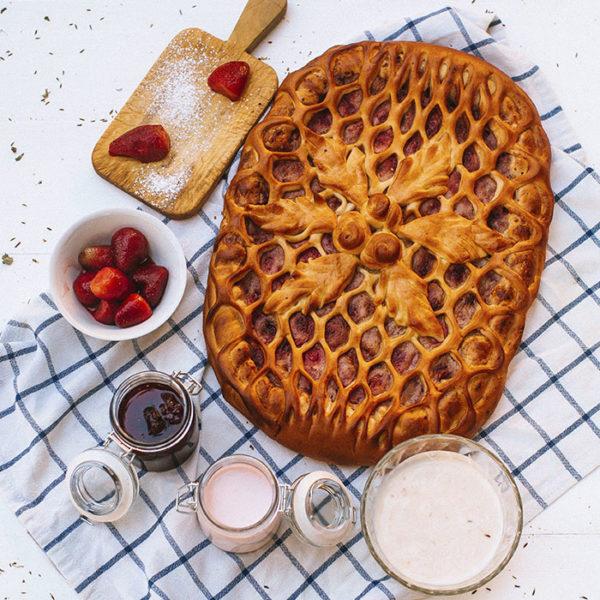 Пирог с клубникой2